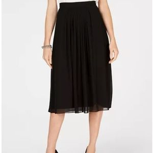 NWT Anne Klein Pleated Skirt